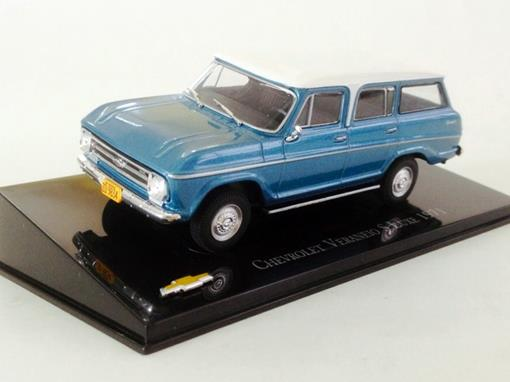 Chevrolet: Veraneio S Luxe (1971) - Azul / Branco - 1:43