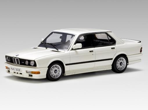 BMW: M535i (1985) - Branca - 1:43