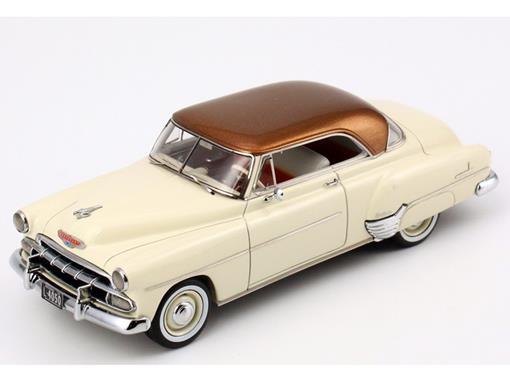 Chevrolet: De Luxe HT Coupe (1953) - Creme / Cobre - 1:43
