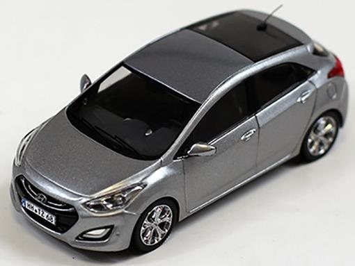 Hyundai: i30 (2012) - Prata - 1:43