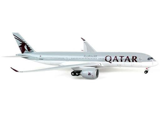 Qatar Airways: Airbus  A350-900 - Phoenix - 1:400
