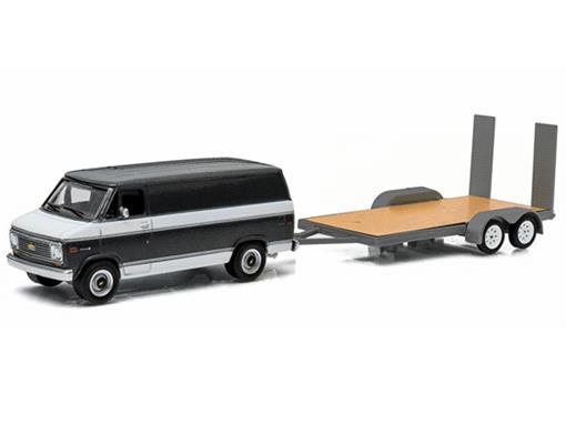 Chevrolet: G20 Van c/ Trailer (1977) - 1:64 - Greenligth