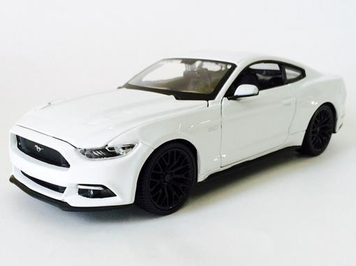 Ford: Mustang GT (2015) - Branco - 1:24 - Maisto