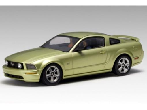 Ford: Mustang GT (2005) - Verde Metálico - 1:64 - Autoart