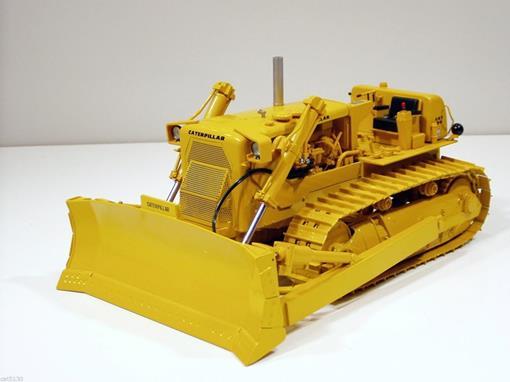 Caterpillar: D9E - Trator Esteira c/ Lâmina - 1:25 - First Gear