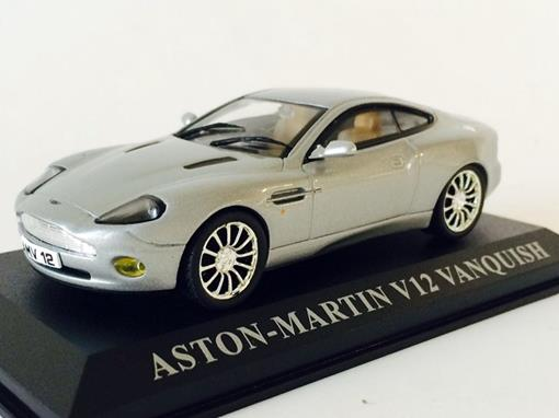 Aston Martin: V12 Vanquish - Cinza - 1:43 - Altaya