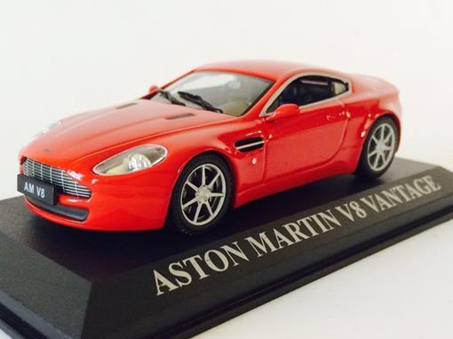 Aston Martin: V8 Vantage - Vermelho - 1:43