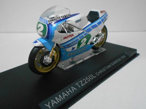 Yamaha: TZ250L (1984) - Christian Sarron #2 - 1:24 - Altaya