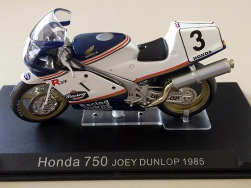 Honda: 750 (1985) - Joey Dunlop #3 - 1:24 - Altaya