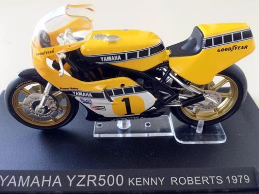 Yamaha: YZR500 - Kenny Roberts (1979) - 1:24 - Altaya