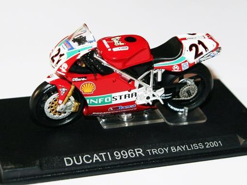 Ducati: 996R - Troy Bayliss (2001) - 1:24 - Altaya