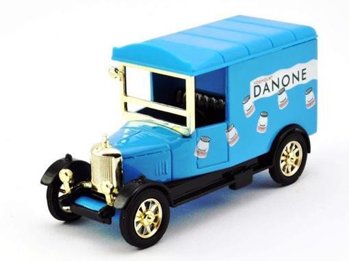 Bullnose Morris Van