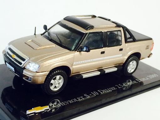 Chevrolet: S-10 Deluxe 2.5 Cabine Dupla (2009) - Dourado - 1:43 - Ixo