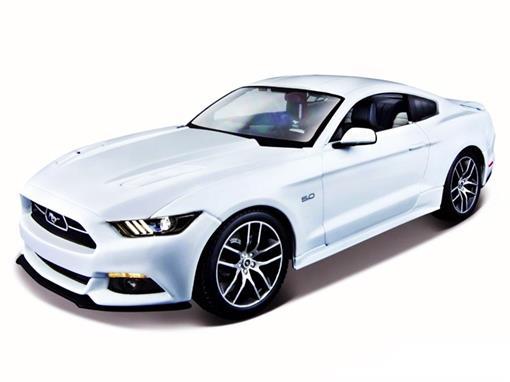 Ford: Mustang GT (2015) - Branco - 1:18 - Maisto