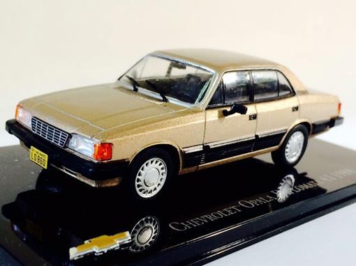 Chevrolet: Opala Diplomata 4.1 (1988) - Dourado - 1:43 - Ixo