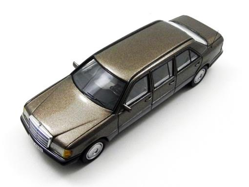 Mercedes Benz: W124 Lang - Marrom - 1:43 - Neo Scale