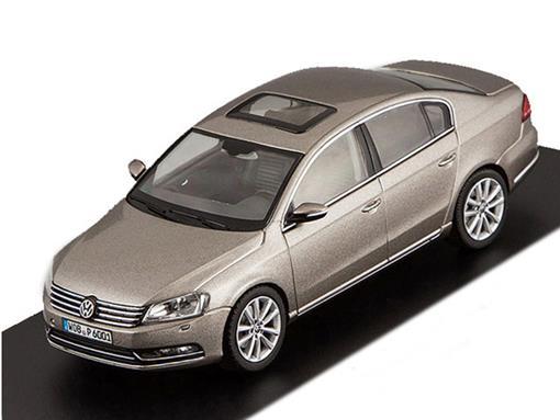 Volkswagen: Passat - Grafite - 1:43 - Schuco