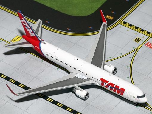TAM: Boeing 767-300ER - 1:400 - Gemini Jets