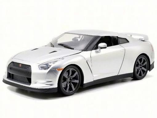 Nissan: GT-R (R35)