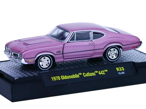 Oldsmobile: Cutlass 442 (1970) Rosa - M2 Machines - 1:64