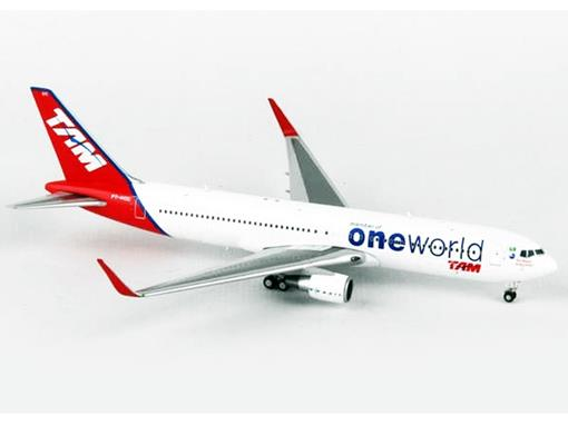 TAM: Boeing 767-300ER - 1:400 - JC Wings