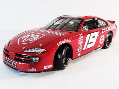 Dodge: Daytona Intrepid R/T - Ray Evernham #19 - Show Car 2000 - 1:24 - Action