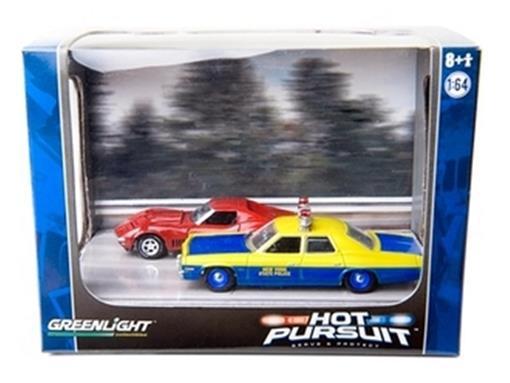 Diorama Hot Pursuit: Chevrolet Corvette Vette L-88 (1968)/ Dodge Monaco New York State Police (1974) - 1:64 - Greenlight