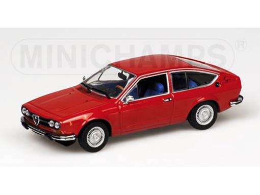 Alfa Romeo: Alfetta GT (1976) - Vermelho - 1:43 - Minichamps