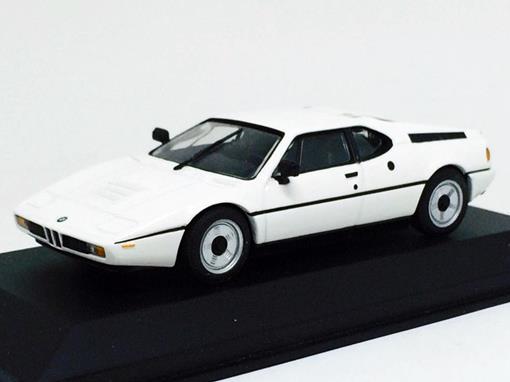 BMW: M1 Street (1978/81) - Branco - 1:43 - Minichamps
