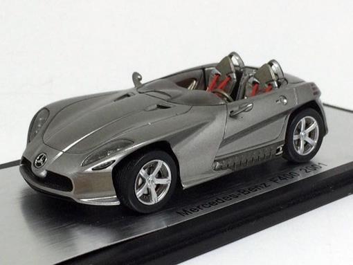 Mercedes Benz: F400 (2001) - Prata - 1:43 - Spark