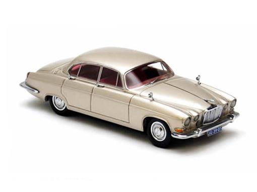Jaguar: MK10 (1961) - Dourado - 1:43 - Neo Scale