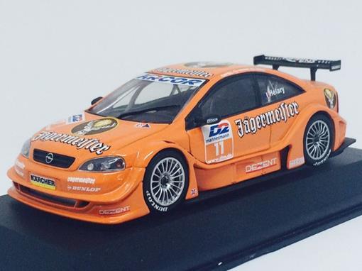 Opel: V8 Coupe - Team Holzer - E. Helary - DTM 2000 - 1:43 - Minichamps