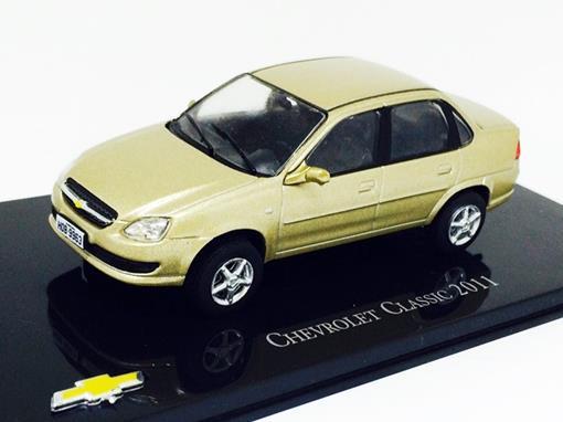 Chevrolet: Classic (2011) - Dourado - 1:43 - Ixo
