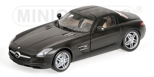 Mercedes Benz: SLS AMG (2010) - Preto Fosco - 1:18 - Minichamps