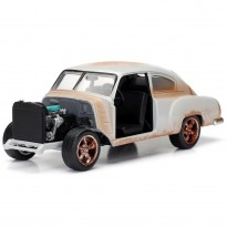 Imagem - Chevrolet: Fleetline Dom's - Velozes e Furiosos 8 - 1:24 - Jada