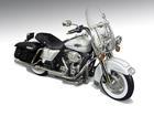Harley Davidson: FLHRC Road King (2012) - Branca - 1:12