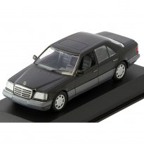 Imagem - Mercedes Benz: E-Class (1993) - Preto - 1:43 - Minichamps