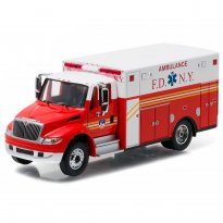 Imagem - International DuraStar: Ambulance - HD Trucks - Série 7 - 1:64 - Greenlight