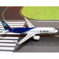 Imagem - Lan Airlines: Airbus A320-200 - CC-BFR - 1:400 - Phoenix Model