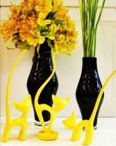 Escultura Trio de gatos amarelo 27 cm