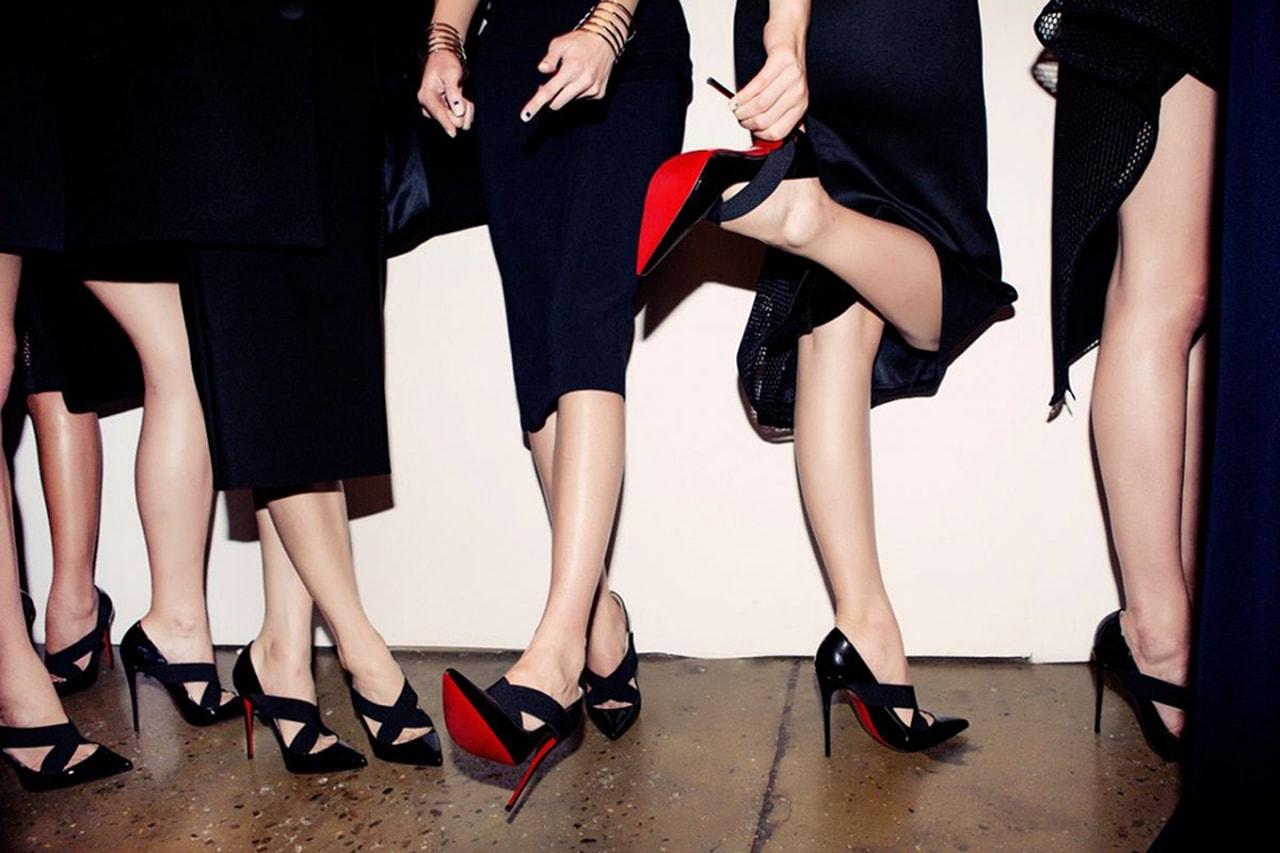 Sapatos vermelhos  Como usar e combinar looks incríveis 796d21b125f
