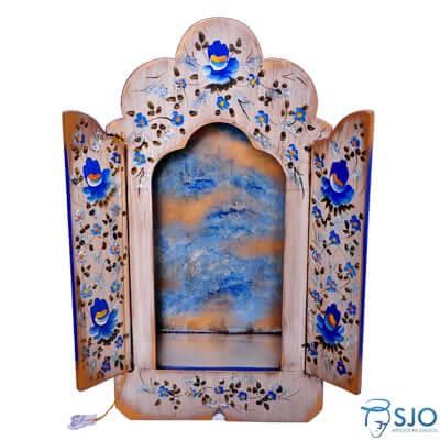 Oratório de Madeira com a Porta Colorida - 58 cm