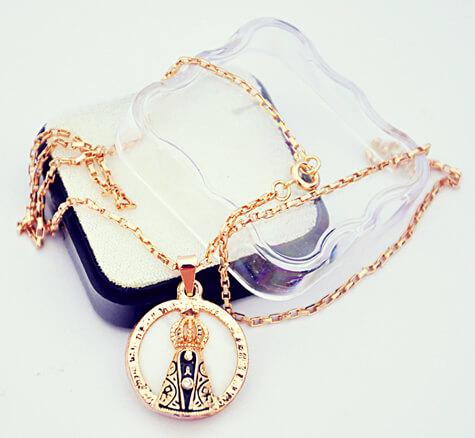 Medalha Folheada a Ouro Red Nossa Senhora da Aparecida ST - 30 cm