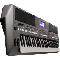 Teclado Musical Yamaha PSR-S670 Arranjador 61 Teclas com Fonte Bivolt